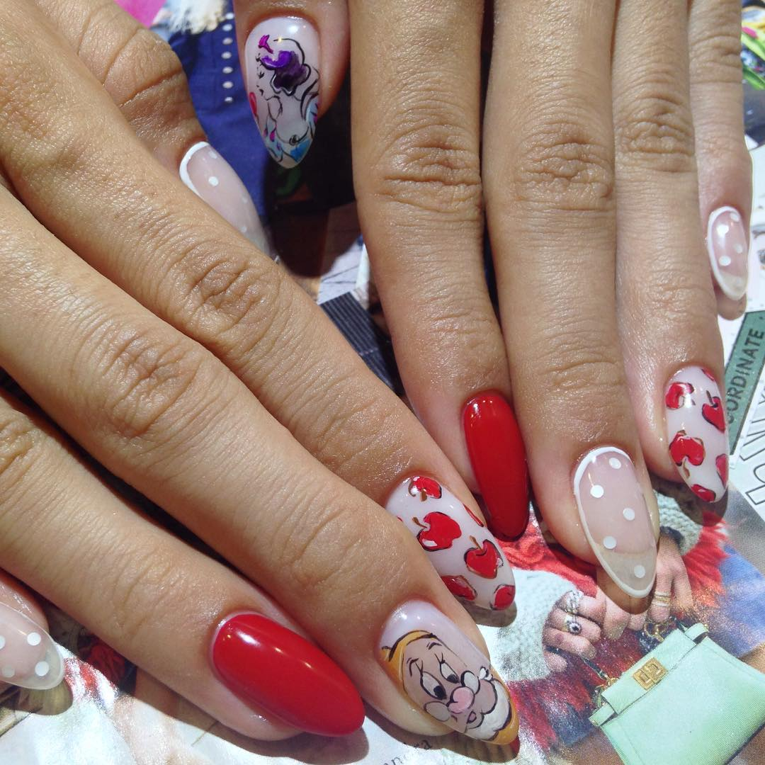 Snow Disney Nail Design