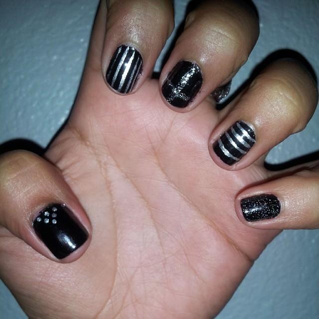 silver nail designs17
