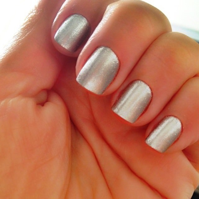 silver nail designs32