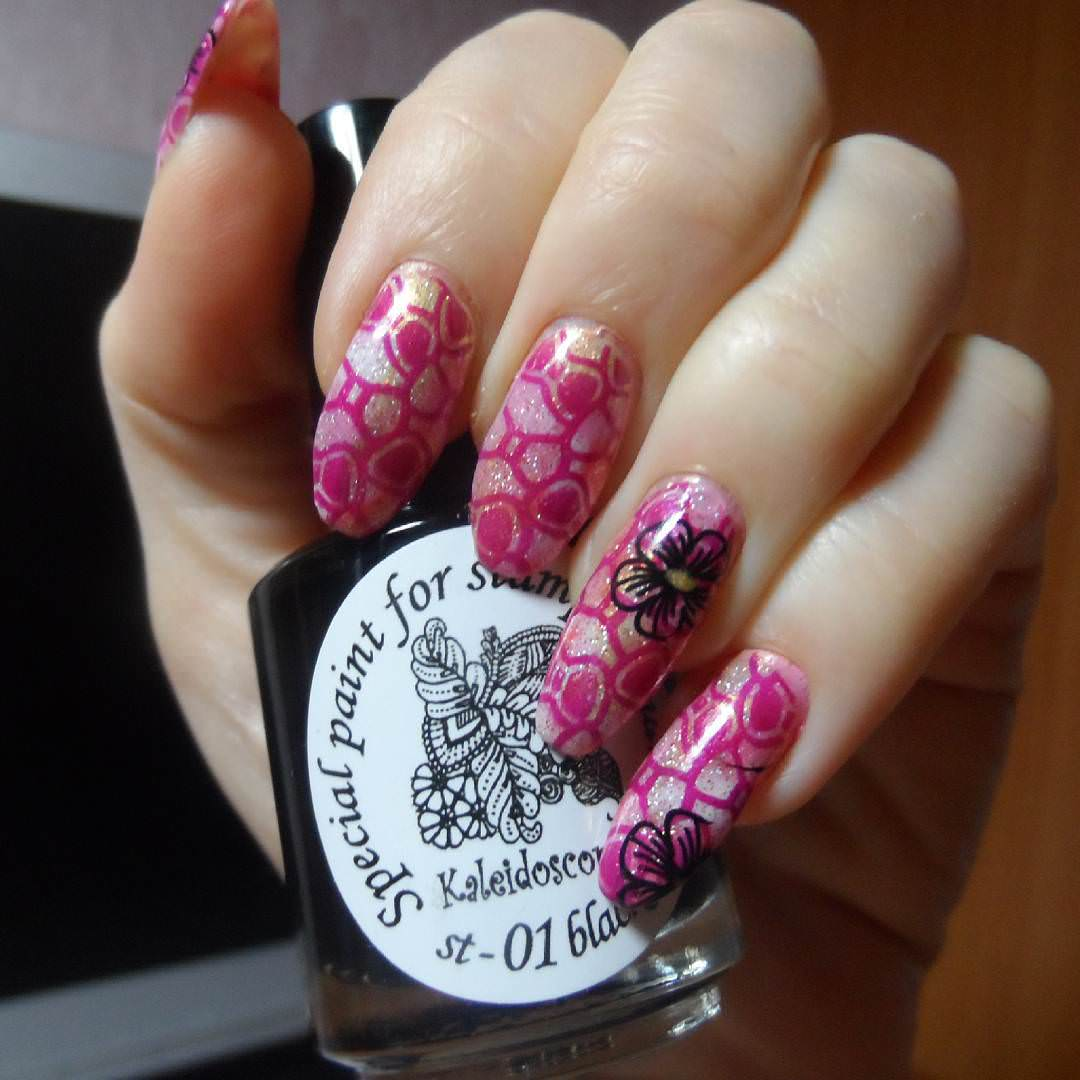Bow Nail Design In Pink
