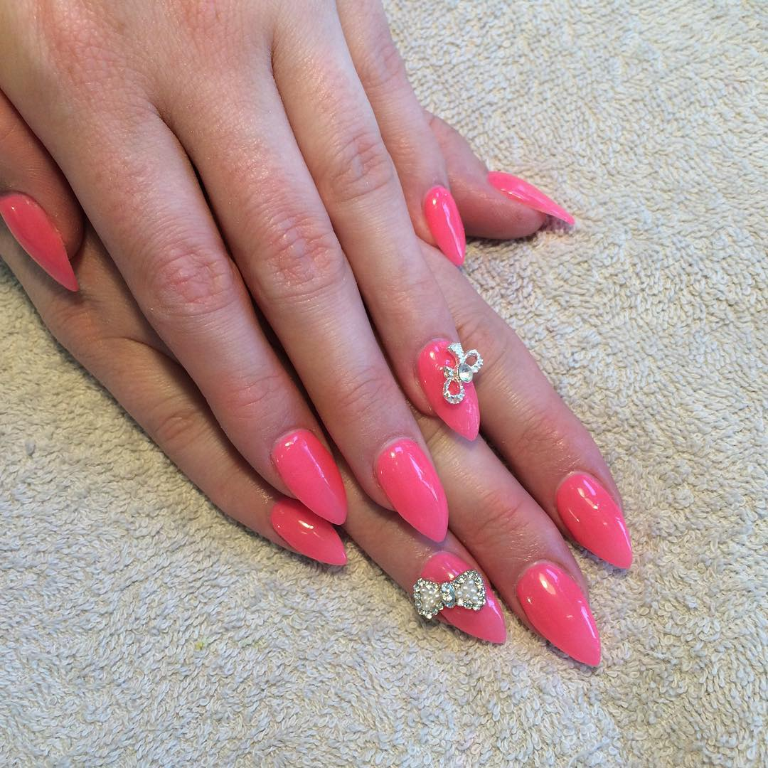 Trend Bow Nail Design