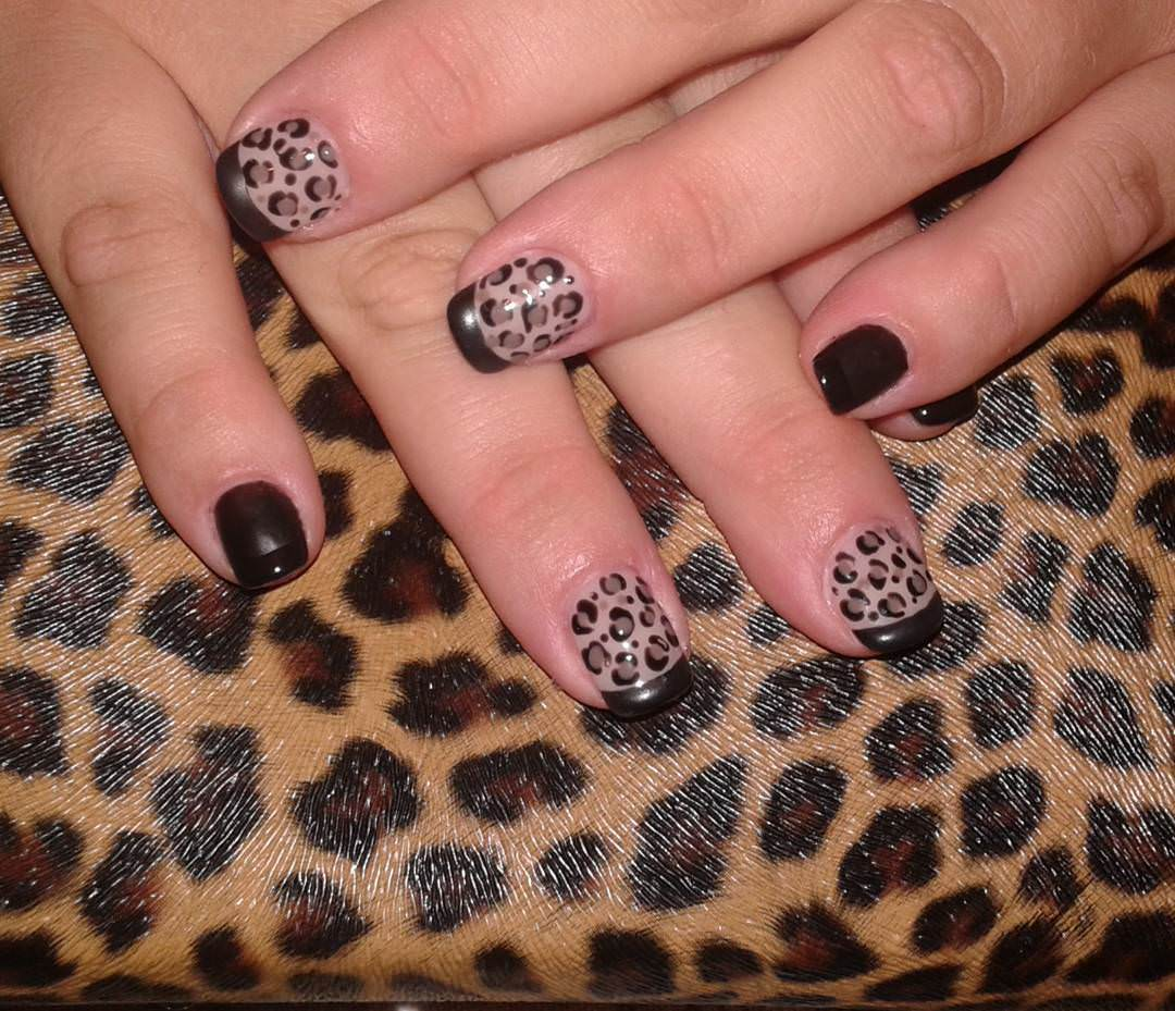 Black Leopard Nail Design