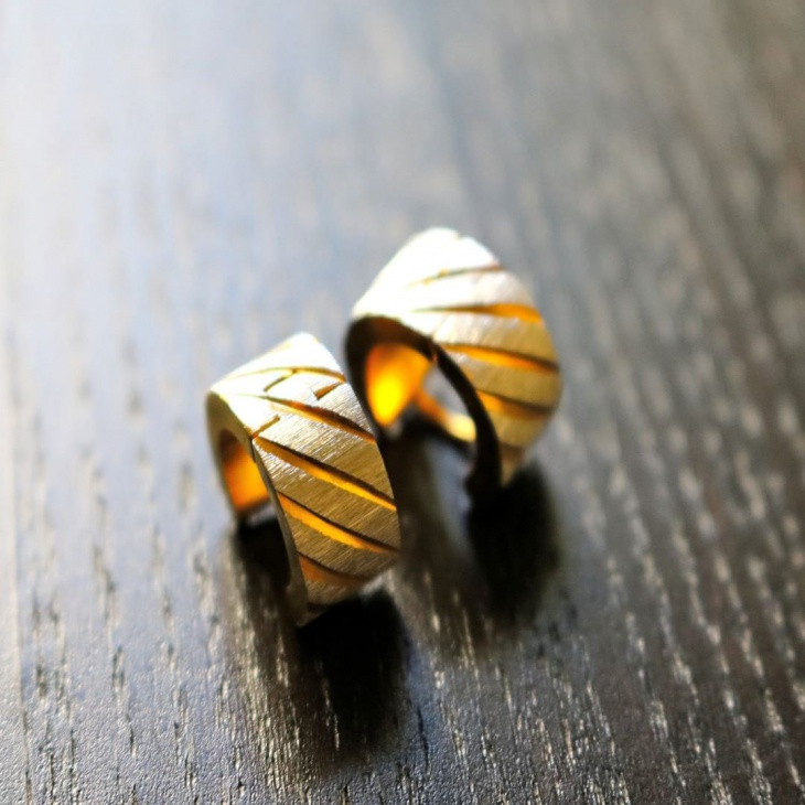 Stud hoop gold earrings