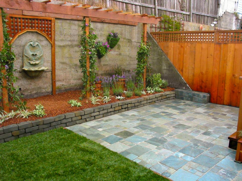 Backyard Brick Wall Garden Design