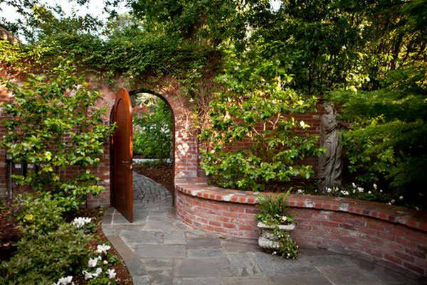 Sculpture Brick Wall Garden Design