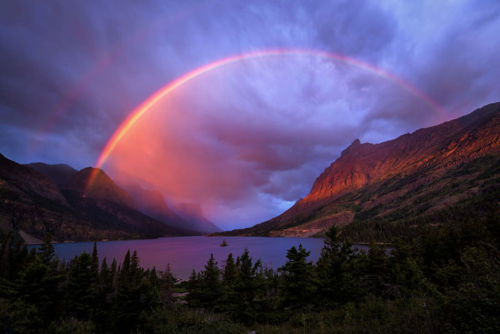Realistic Rainbow Background