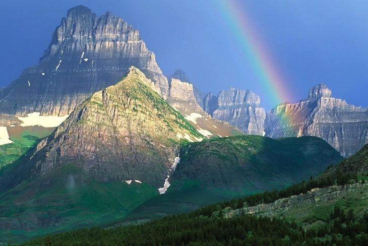 Mountains Rainbow Background