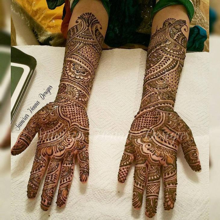 lovely henna design for two hands