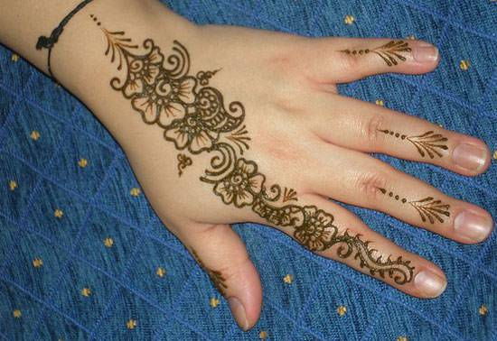 simple bridal henna design