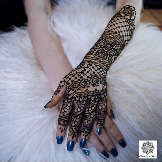 gorgeous henna design for back side