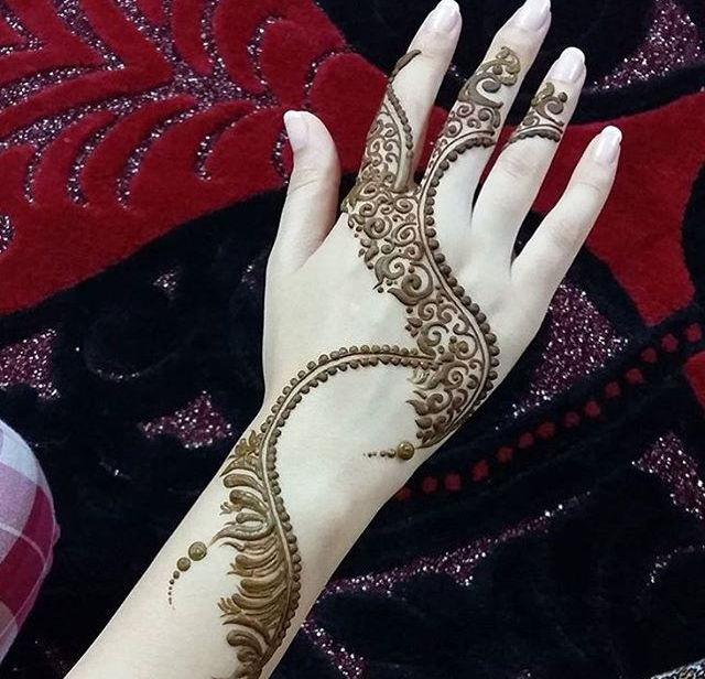 lovely arabic henna design