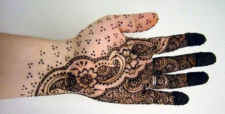 unique arabic henna design