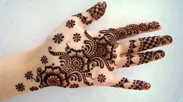 Easy Mehandi Design Idea