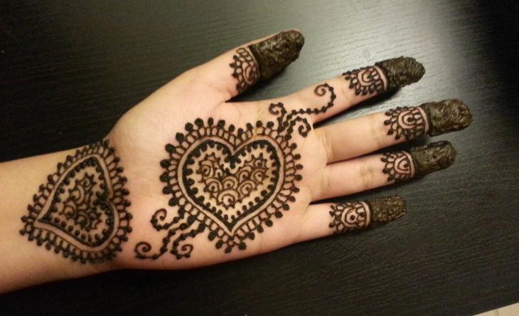henna design with love symbol
