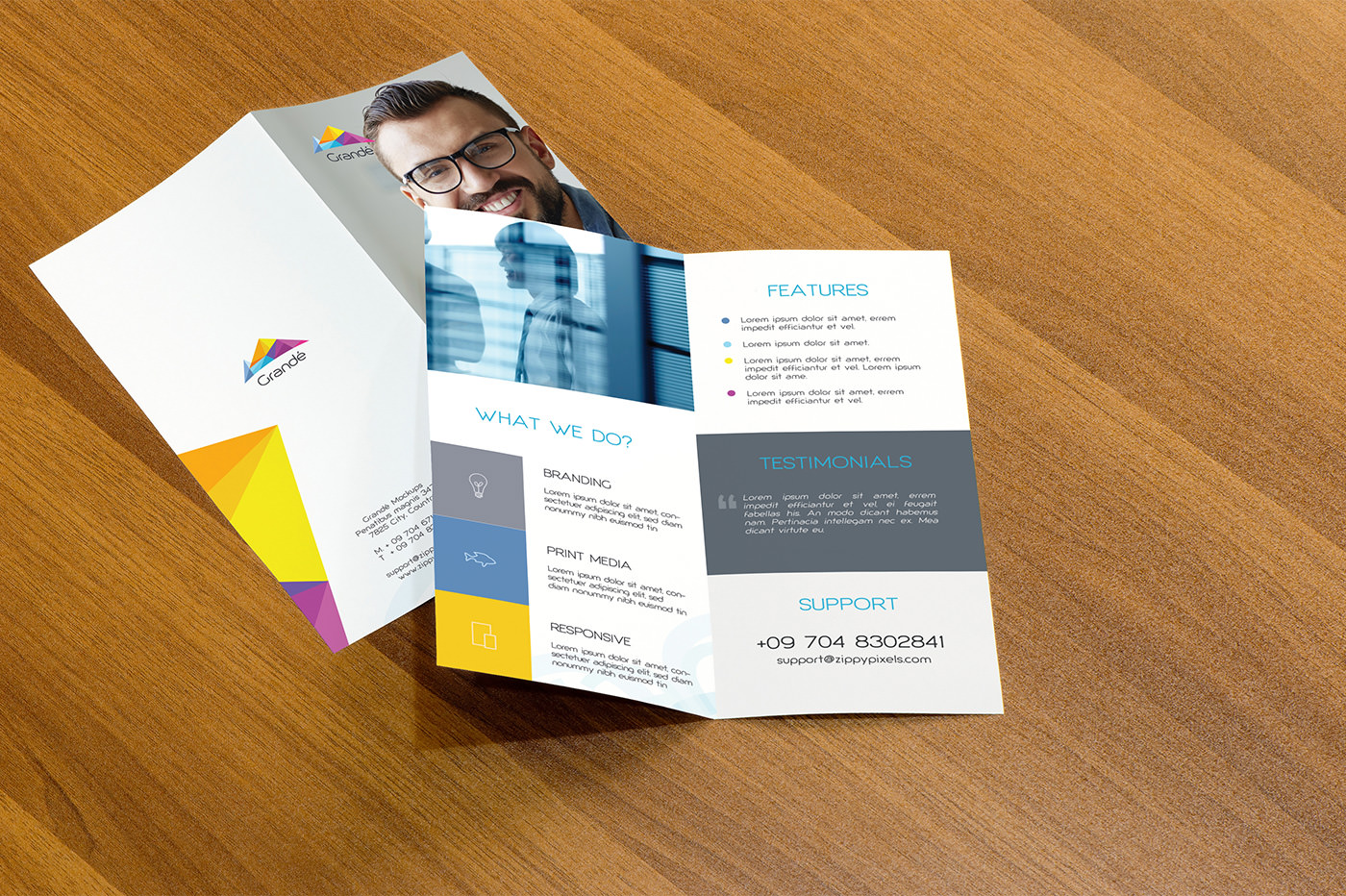 flyer realistic psd mock ups ideas