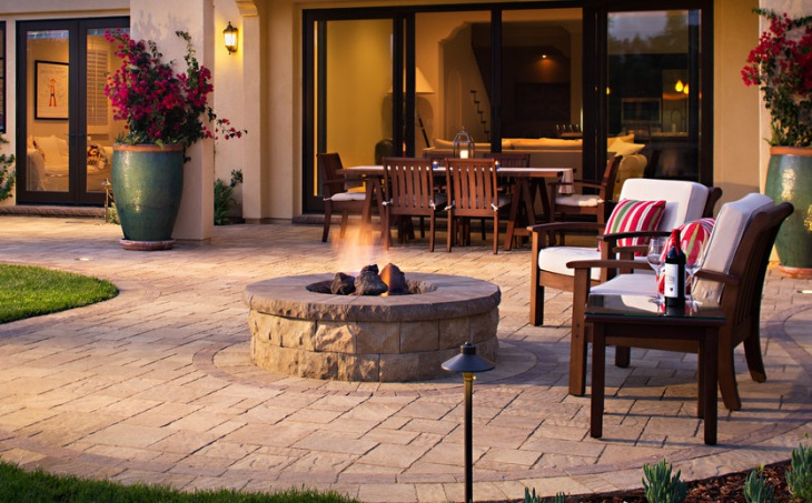 Outdoor Paver Fire Pit Design