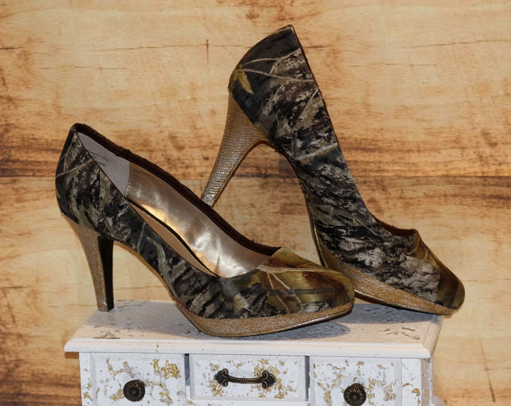 flamboyant camo high heel shoes