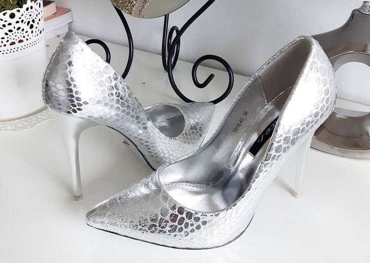 silver high heel shoes design
