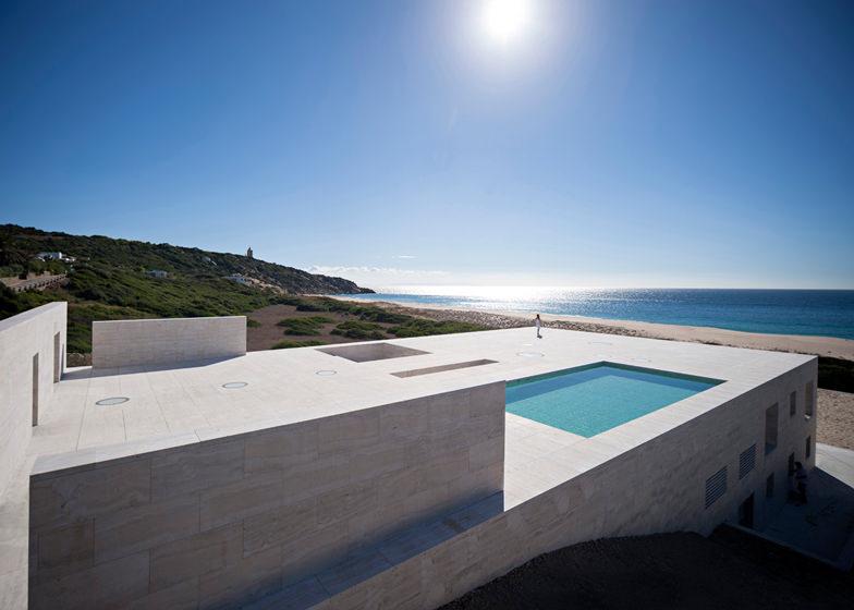 Trend Beach House Design