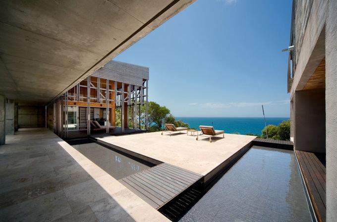 Alinghi Residence Beach House Design