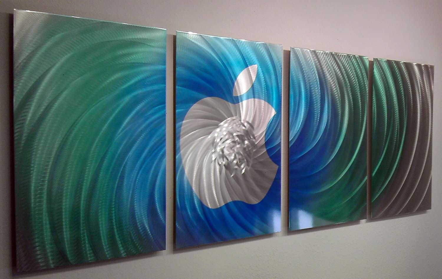 Mind Blowing Handmade Metal Wall Design