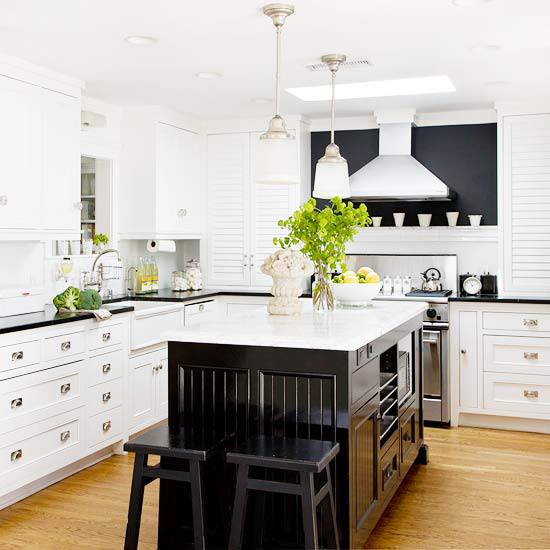 Black And White Traditional Kitchen Design