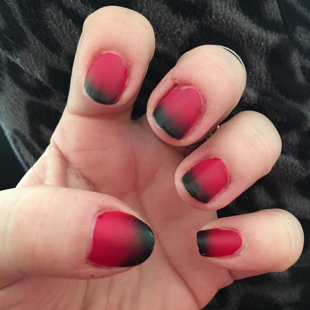 amazing black and red nail design
