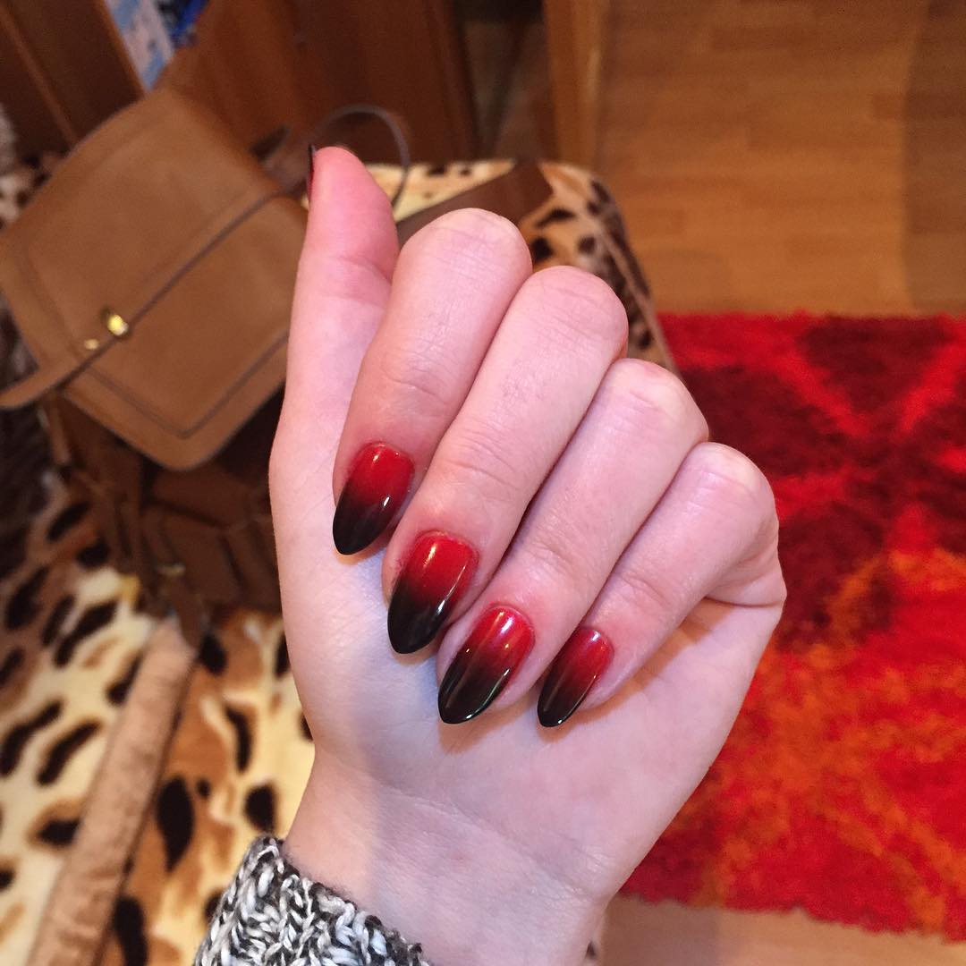 classy black and red nail design