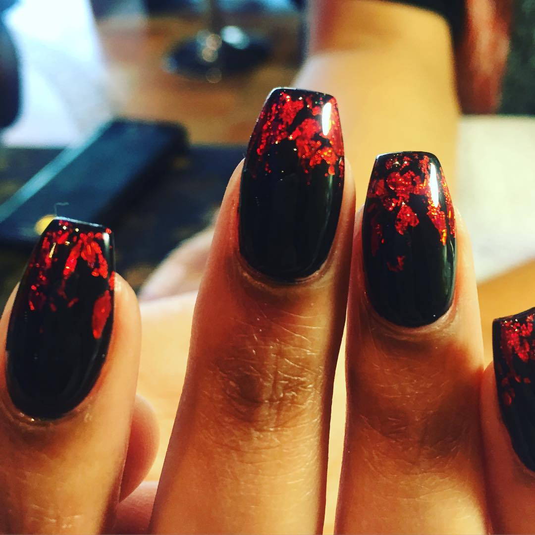red shining black and red nail design