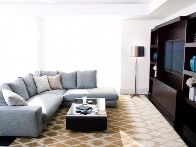 Allison-Lind_Modern-Minimalist-Manhattan_Sectional