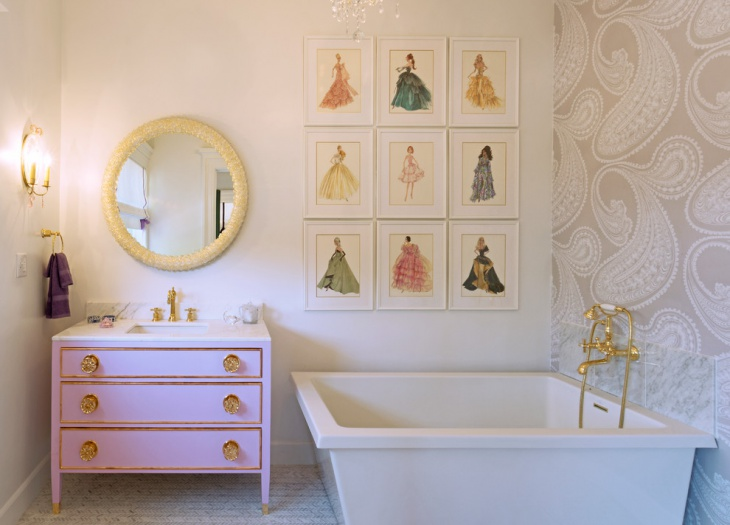 Traditional Retro Style Bathroom
