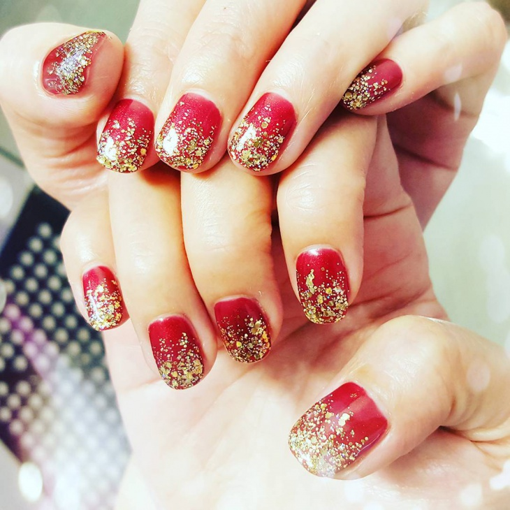 gold shining red and gold nail design