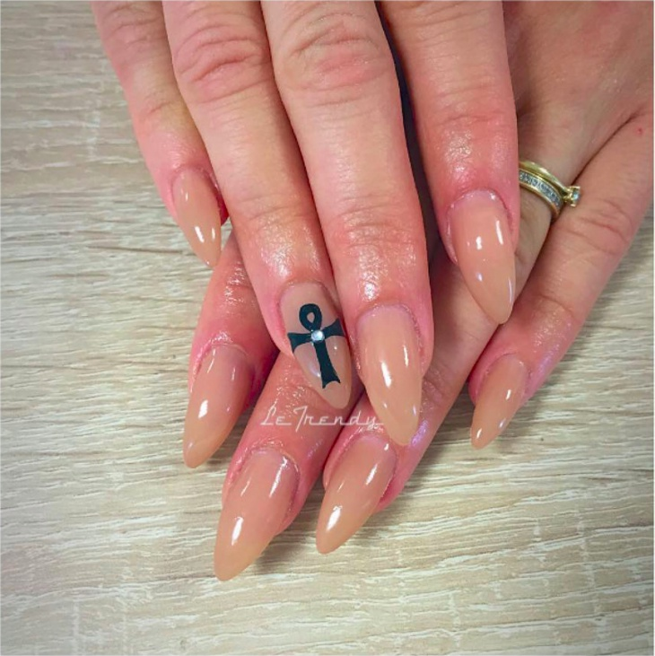 Beautiful Light Color Nail Design