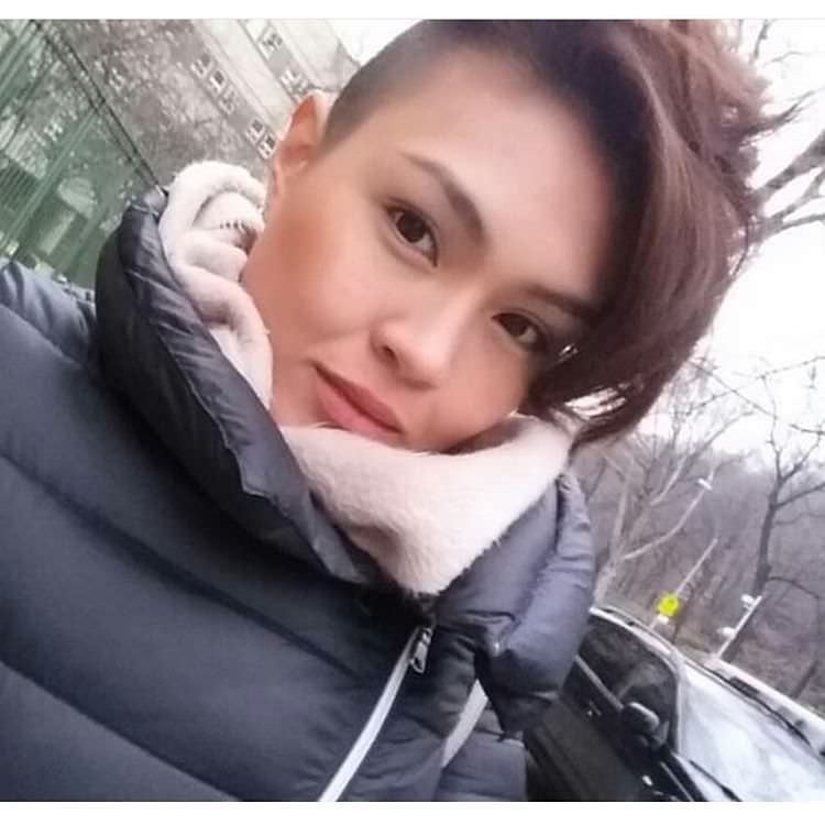 Beautiful & Nice Pixie Haircut for Women