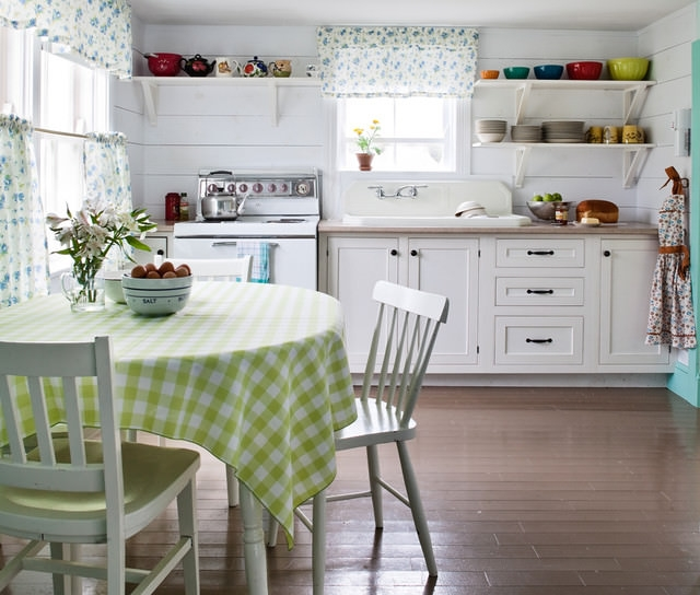 Small Cottage Kitchen Design