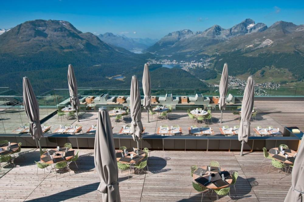 mountain outdoor restaurant design