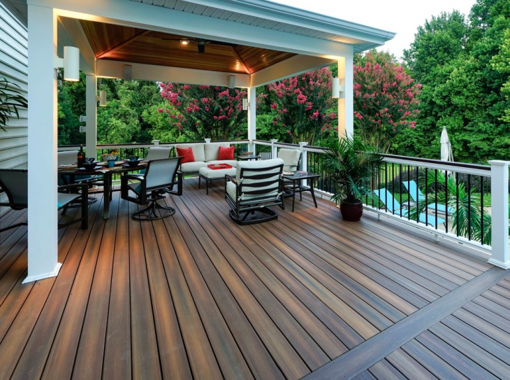 Fiberon Composite Deck In Outdoor