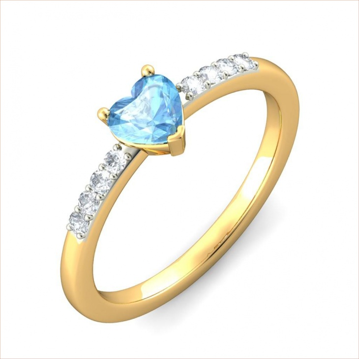 Heart Shape Armas Gold Ring