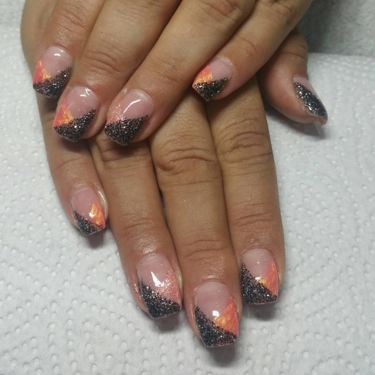 Two Color Glitter French Nail.