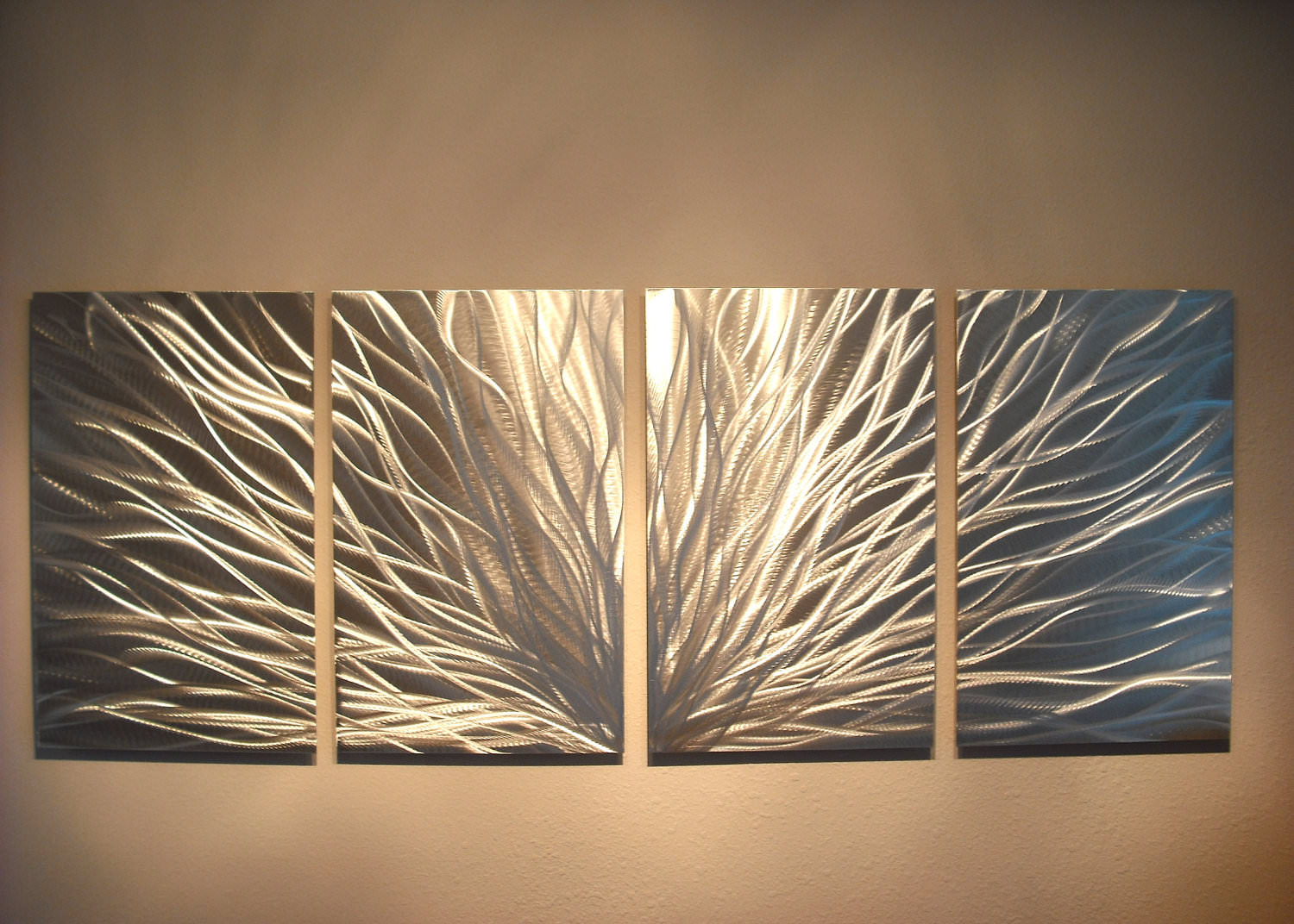 Charmant Handmade Metal Wall Design