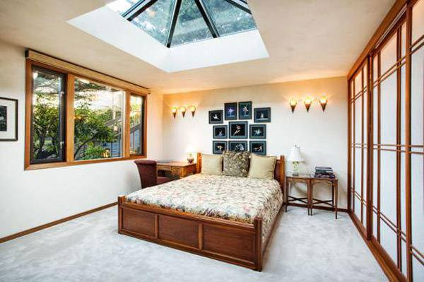 Beautiful Skylight Bedroom Design