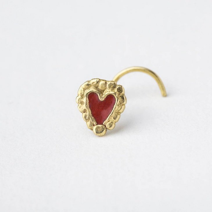 Enamel Heart Nose Ring Design