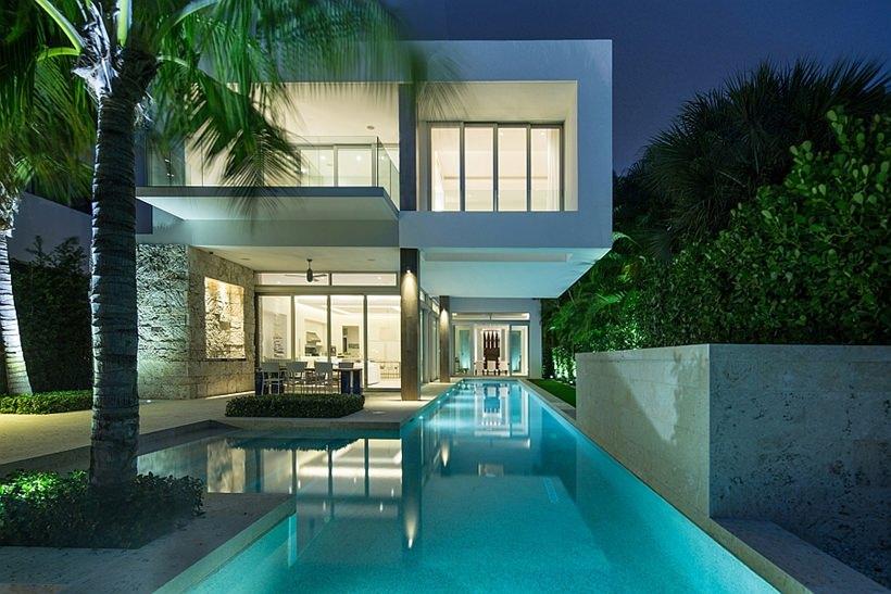 Elegance Modern House Design