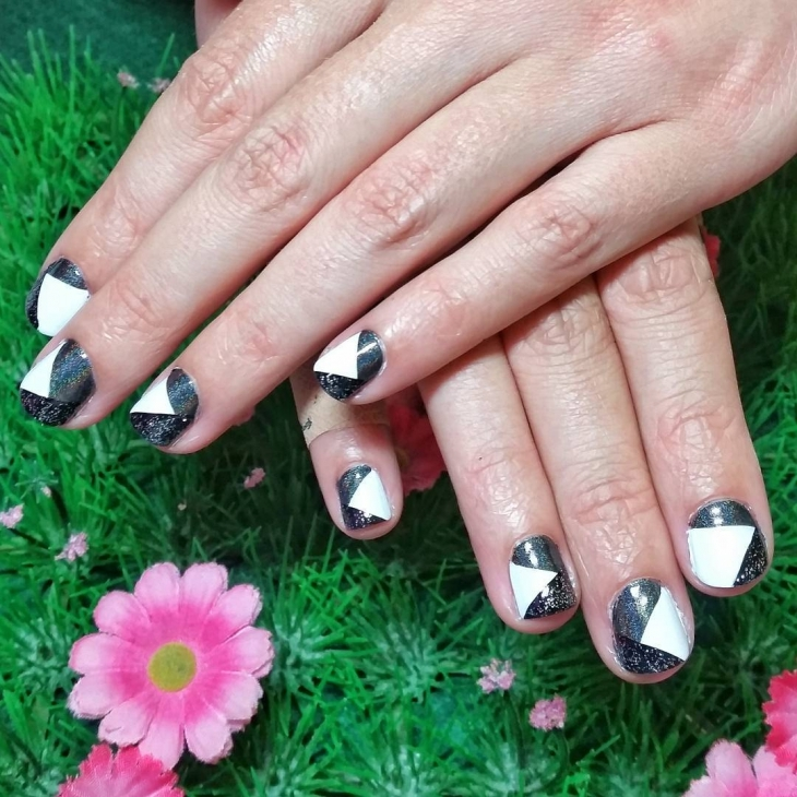 black white sparkle nail design1