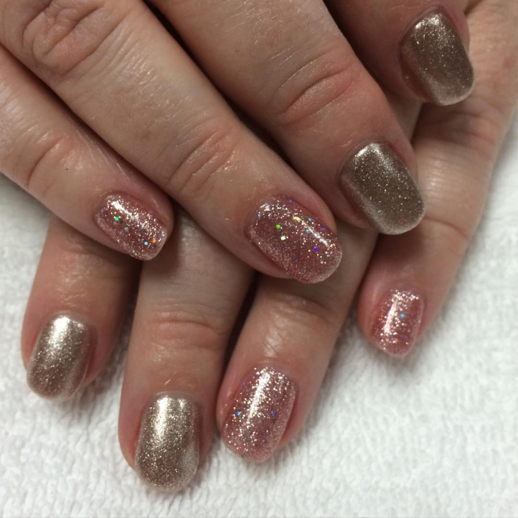 golden sparkle nail design1
