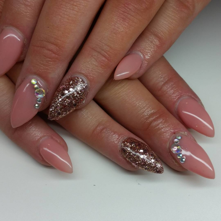 Simple Sparkle Nail Design