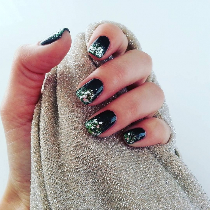 black sparkle nail design1