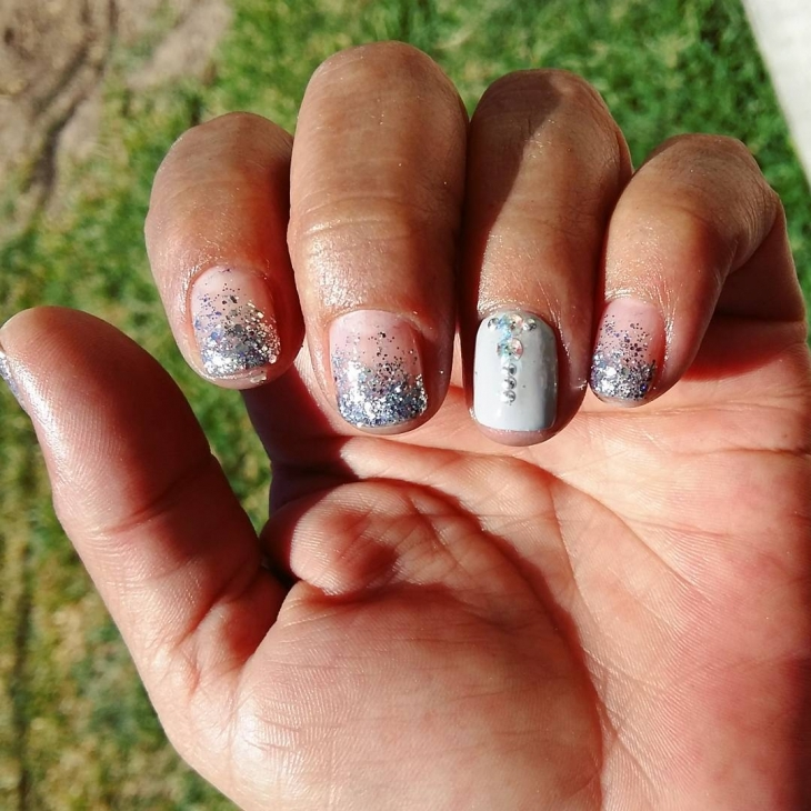White & Ash Sparkle Nail Design