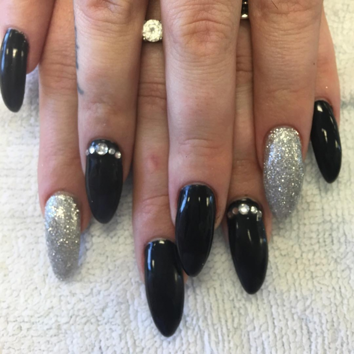 white black sparkle nail design1