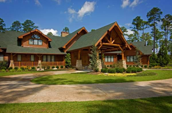 Strongwood Log House Design